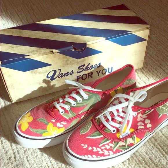 12dbaeb00272b8 Vans Van Doren red Hawaiian shoes.